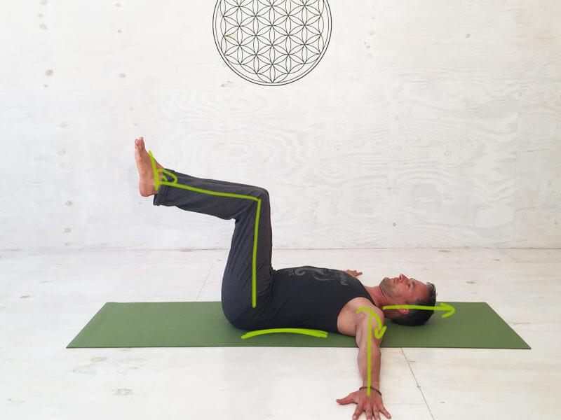 yoga bungen bauchmuskeln bauchmuskeltraining f r eine. Black Bedroom Furniture Sets. Home Design Ideas