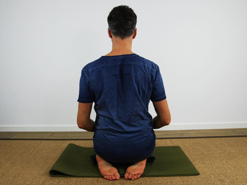 Yoga Sitzhaltung Vajrasana
