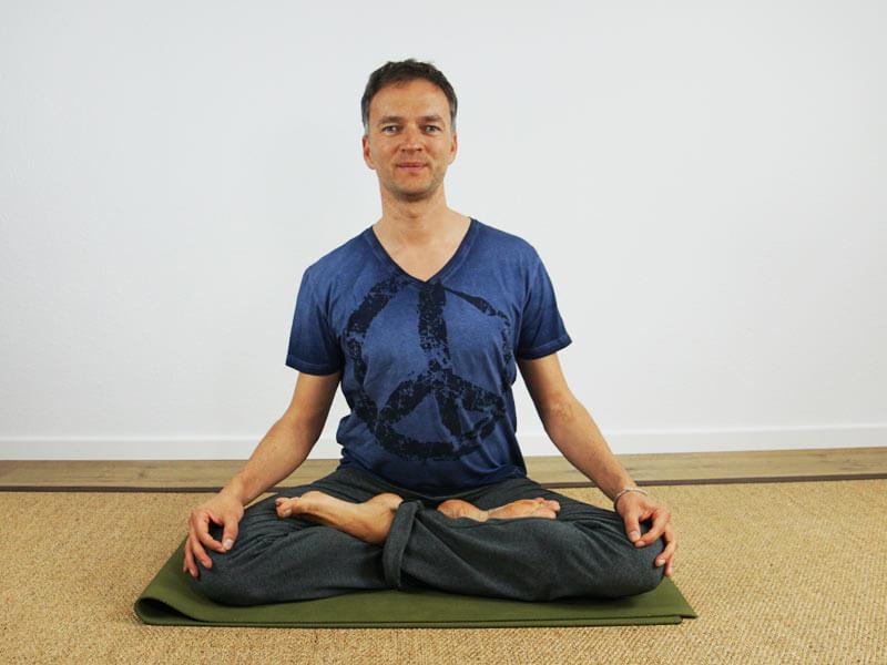 Yoga Sitzhaltung Lotussitz - Meditationssitz