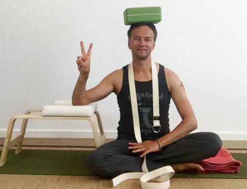 5 praktische Yoga Hilfsmittel und Zubehör im Überblick