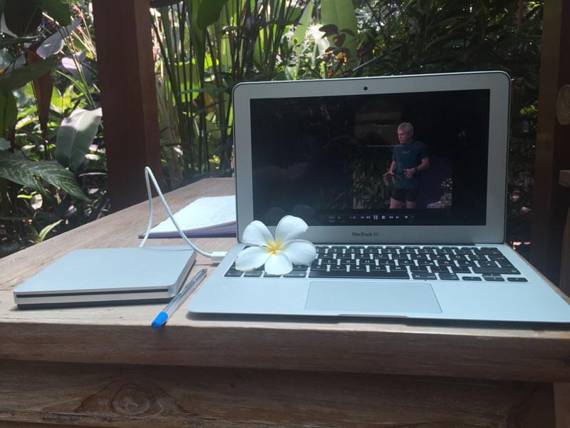 Bali Auszeit mit John Friend Anusara Yoga